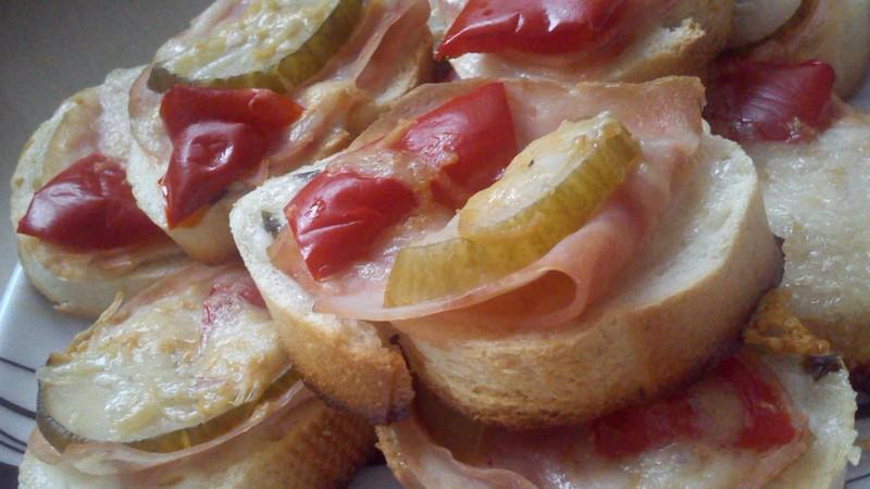 Zapečené chlebíčky s kapií
