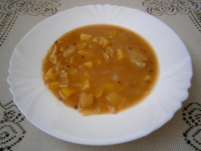 Zasmažená zelná polévka