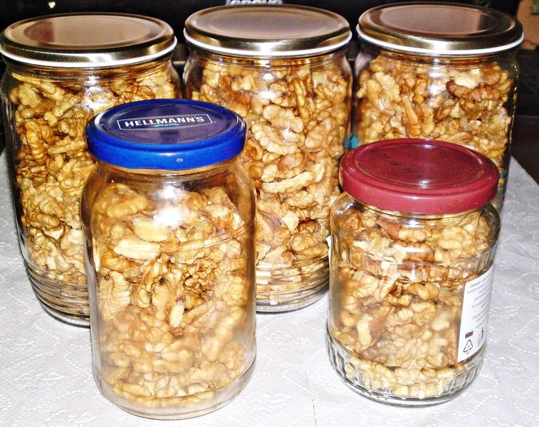 Zavařené vlašské ořechy