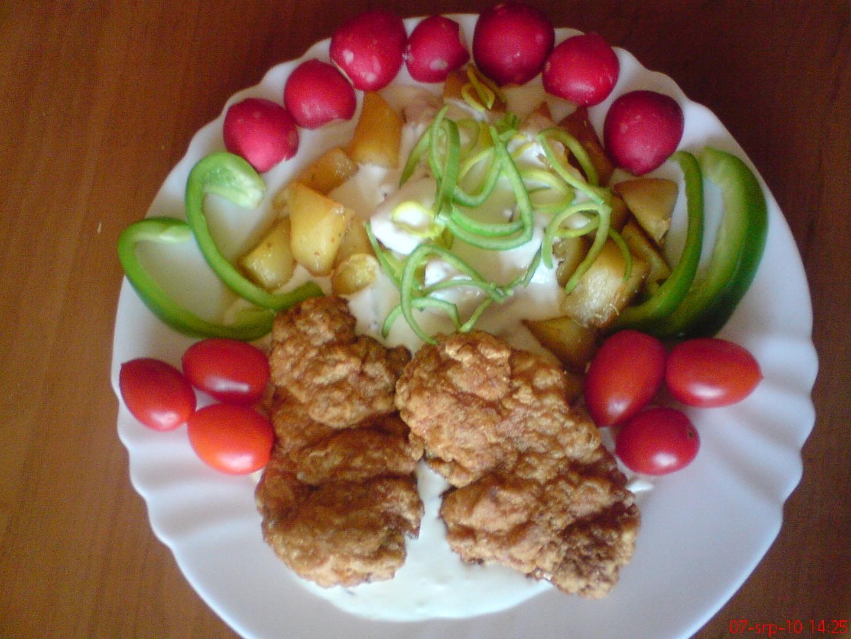 Zázvorové kuře s bramborem a sýrovou omáčkou