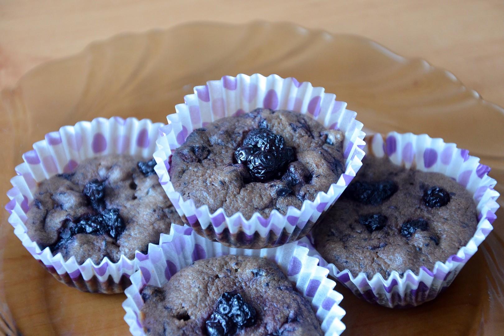 Zdravé celozrnné borůvkové muffiny