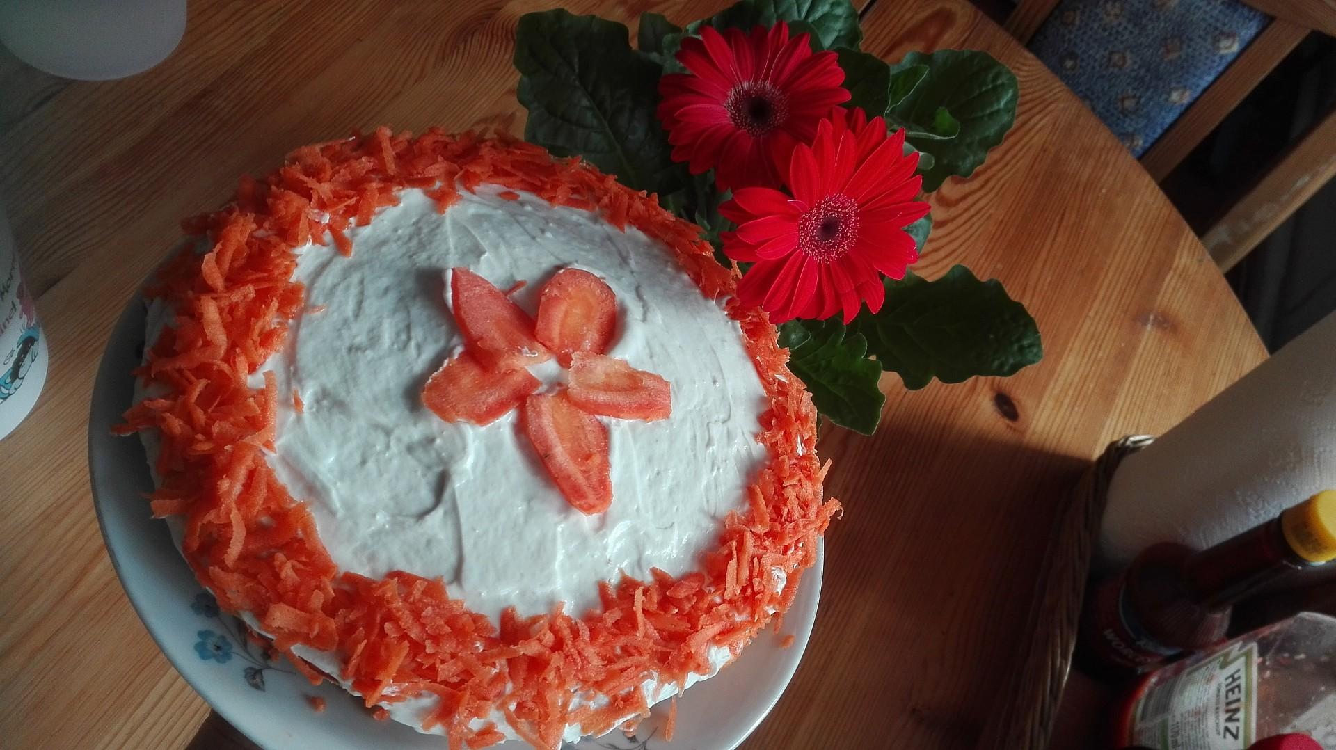 Zdravý fitness mrkvový dort