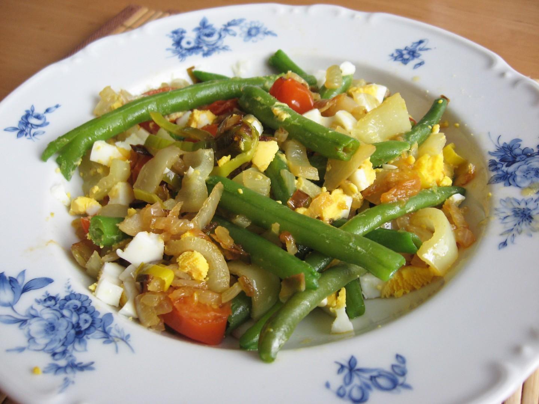 Zeleninová směs s fazolkami a vejcem